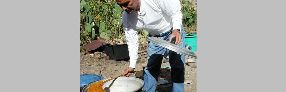 Proceso de rescate del Sarape de Saltillo - Proceso de teñido del hilo con tintes naturales