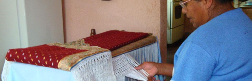 Proceso de rescate del Sarape de Saltillo - Eustolia Millan proceso de empuntado del Sarape de Saltillo