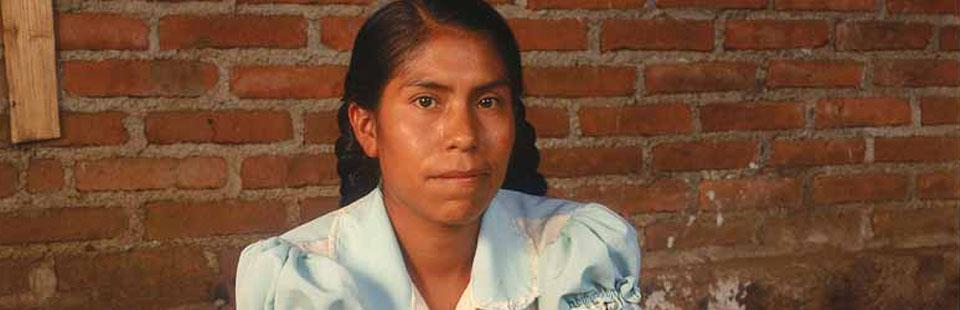 Elena Felipe Félix. Barro moldeado, modelado, decorado y bruñido. Huáncito, Michoacán.