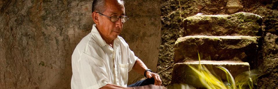 Andrés Uc Dzul. Fibras blandas. Becal, Campeche.
