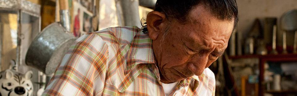 Eduardo Pech Leal. Lámina galvanizada.  Izamal, Yucatán.
