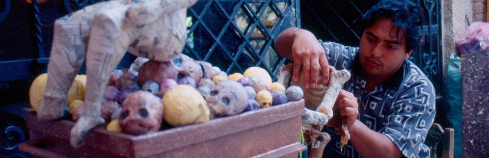 Mauricio Hernández Colmenero. Cartonería. Guanajuato, Guanajuato.