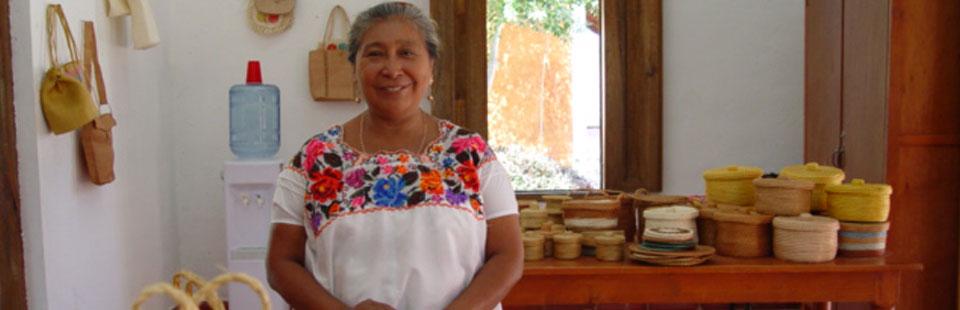 Exhibidor del taller de fibras vegetales. Yucatán.