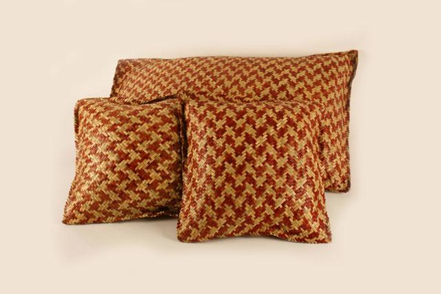 Felipa Tzeek Naal | Cojines de huano teñido con tiñes naturales y tejido | Nunkini, Campeche.